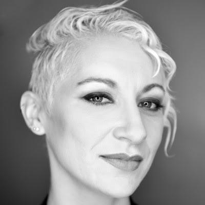"""Lily Ray, directora sénior, SEO y jefa de investigación orgánica, Path Interactive en Google """"Cobertura completa"""" funcionalidad"""